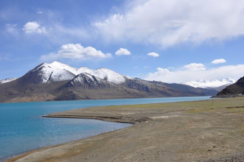 Tibet lake royaltyfri foto