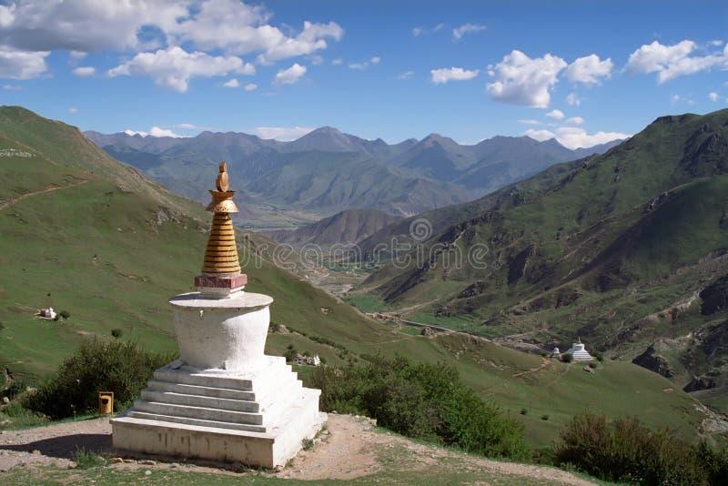 Tibetaanse traditionele bouw Stupas stock afbeeldingen
