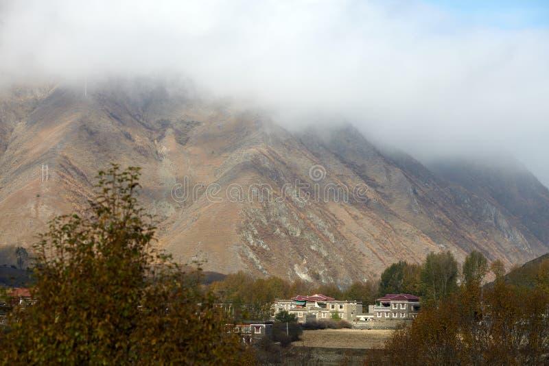 Tibetan dorp stock foto's