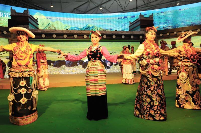 Tibetan kleding toont royalty-vrije stock afbeelding