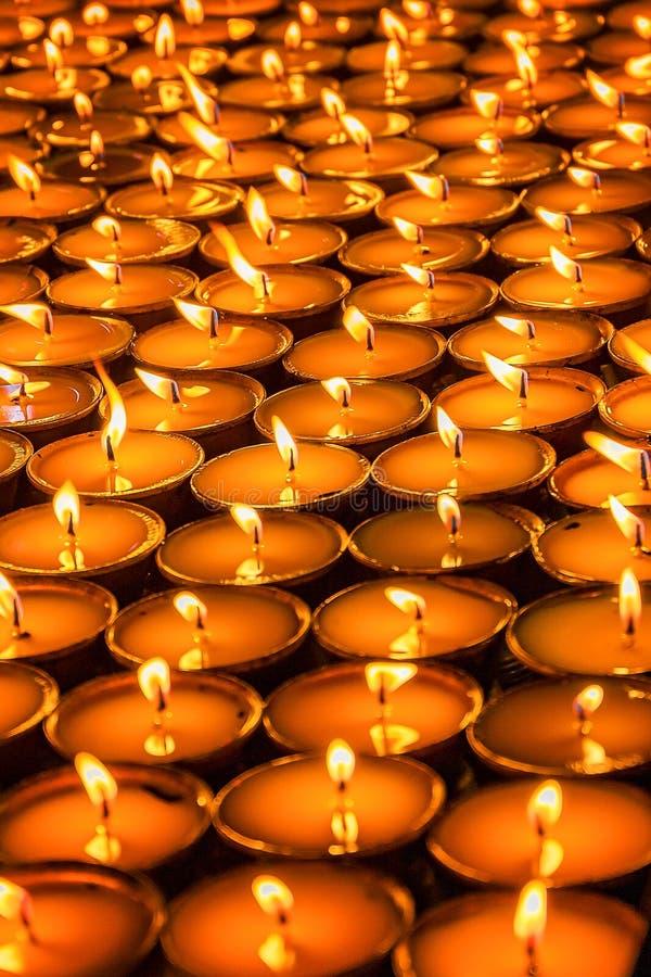Tibetanische Butterlampen lizenzfreie stockfotografie