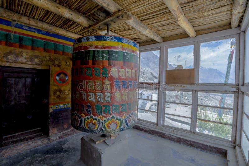 Tibetanische Gebeträder stockfotografie