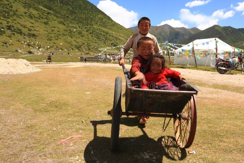 Tibetanische Kinder lizenzfreie stockfotos