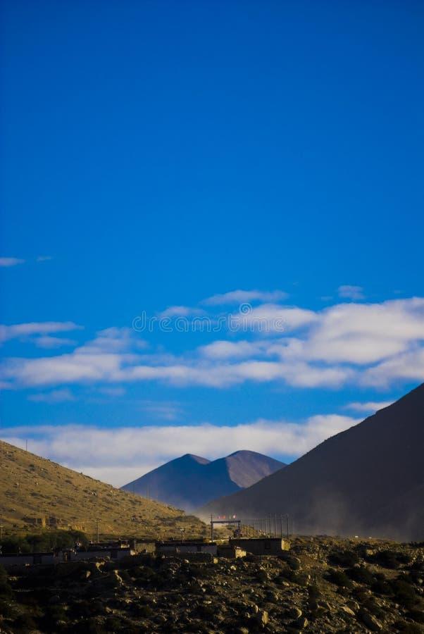 Tibetanische Landschaft lizenzfreies stockbild