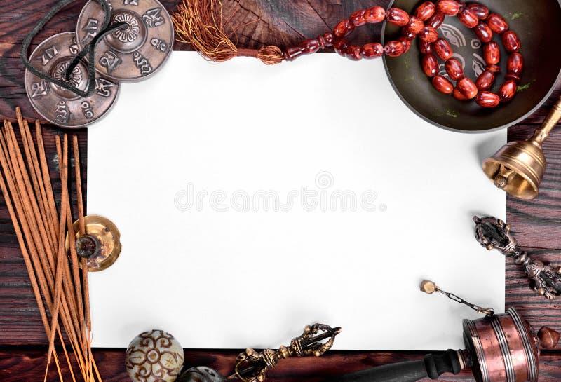 Tibetanische Musikinstrumente für Meditation und Entspannung stockfotografie