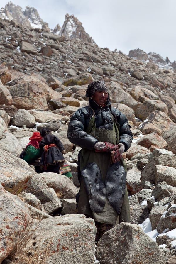 Tibetanische Pilger auf Drolma-La überschreiten, Tibet lizenzfreies stockfoto