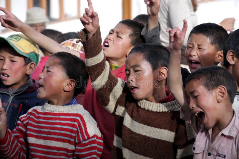 Tibetanische singende Kinder stockfoto