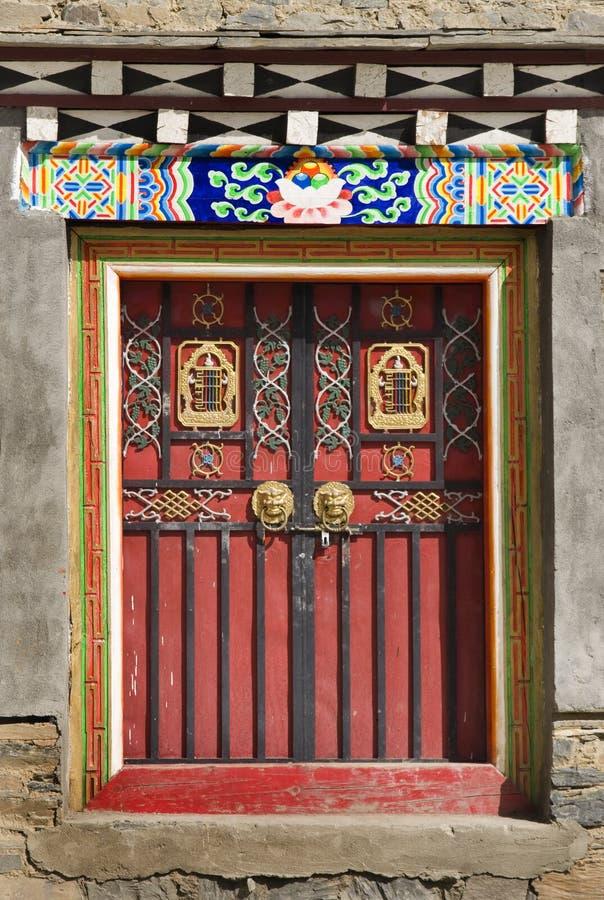 Tibetanische Tür stockbilder