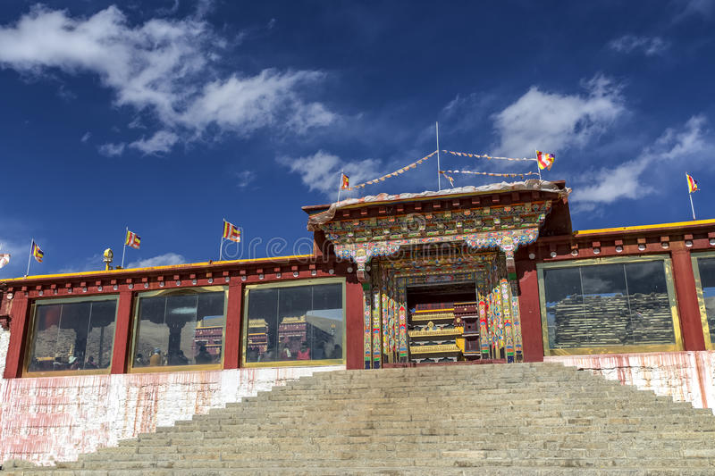 Tibetanischer Tempel in Litang, Sichuan, China stockfoto