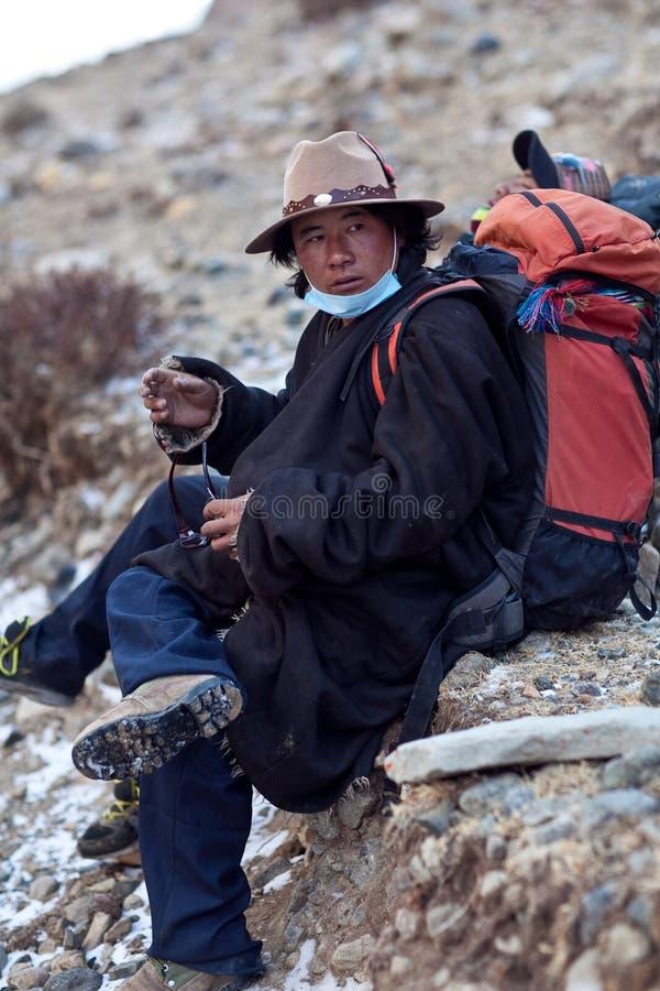 Tibetanischer Träger lizenzfreie stockbilder