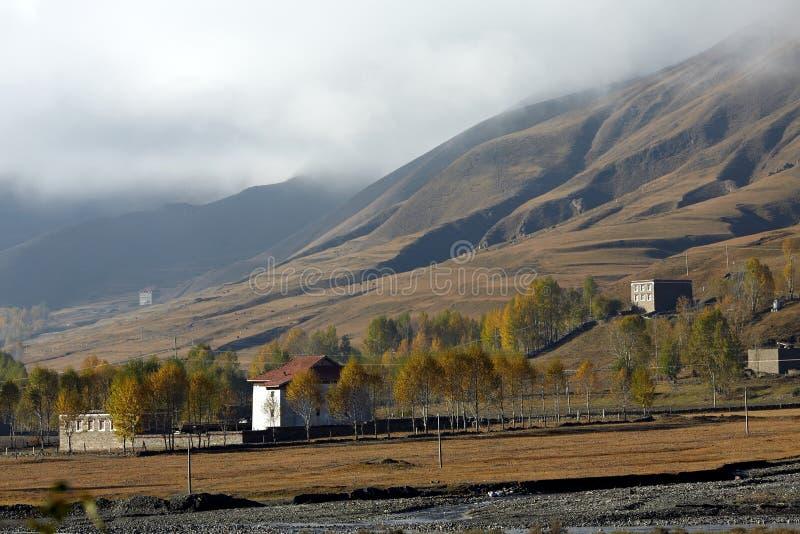 Tibetanisches Dorf stockbild
