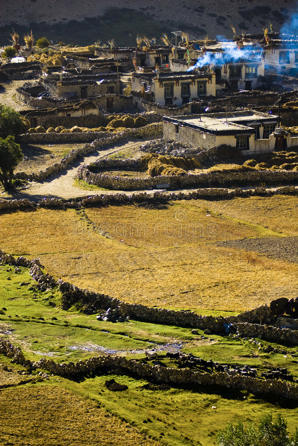 Tibetanisches Dorf stockfotos