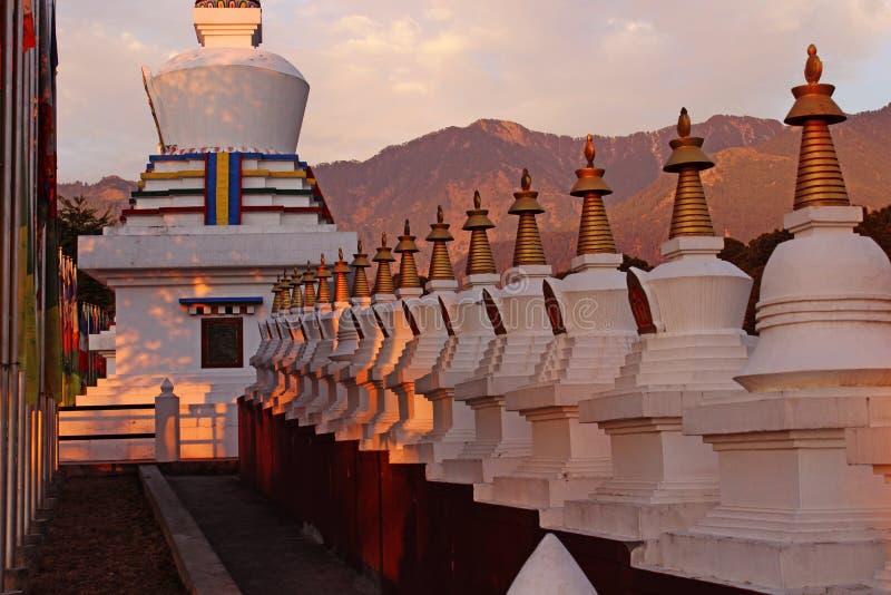 Tibetanisches Gebet templed Indien stockbild