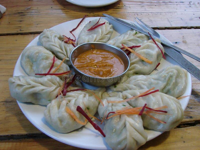 Tibetant manty, grönsaker i deg, momo, mål arkivfoton