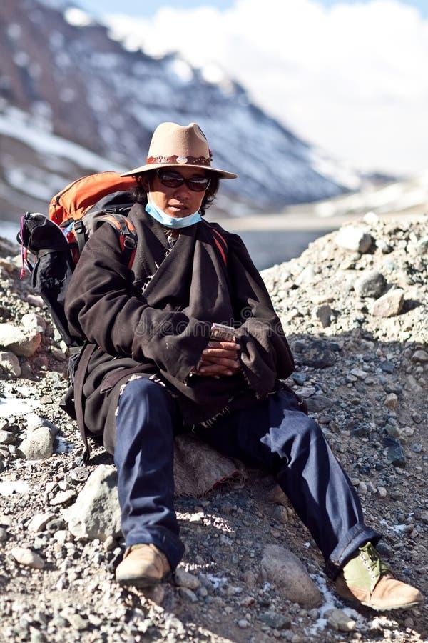Tibetant vallfärda royaltyfria foton