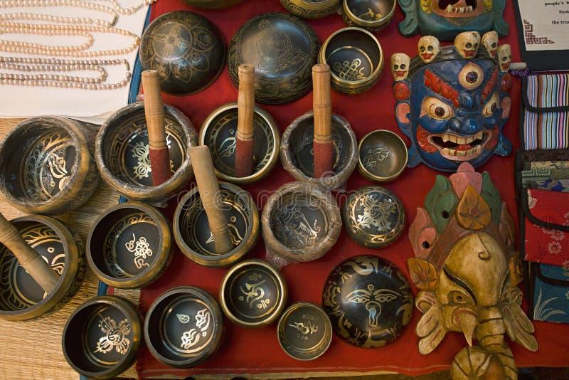 Tibeteanambachten voor verkoop bij tibetean markt in candolim, India royalty-vrije stock foto