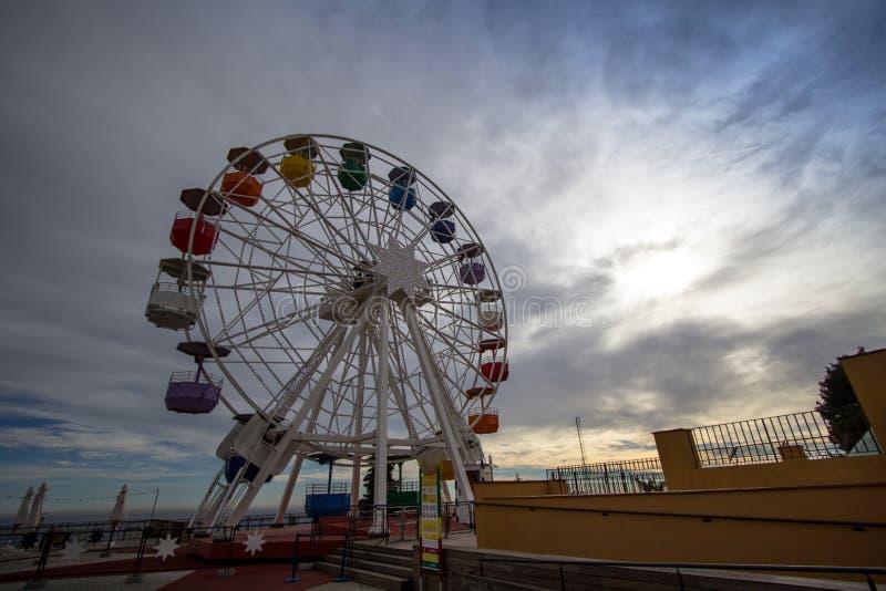Tibidabo Ferris Wheel Tibidabo Hill in Barcelona, Spanje stock afbeeldingen