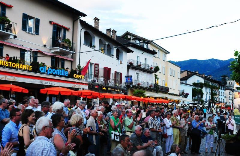 Ticino: Grote sfeer en volledige restaurants in Ascona Jazz Festival stock afbeeldingen