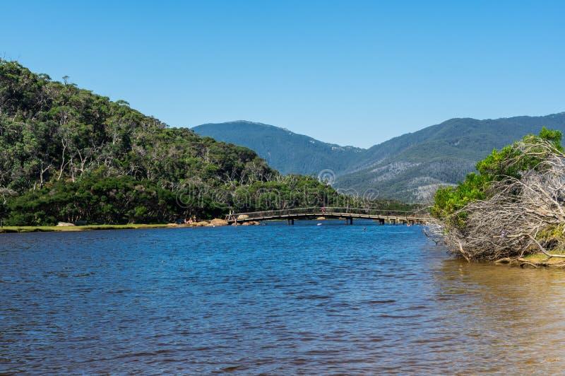 Tidal River no seção sul do parque nacional do promontório de Wilsons em Gippsland, Austrália foto de stock