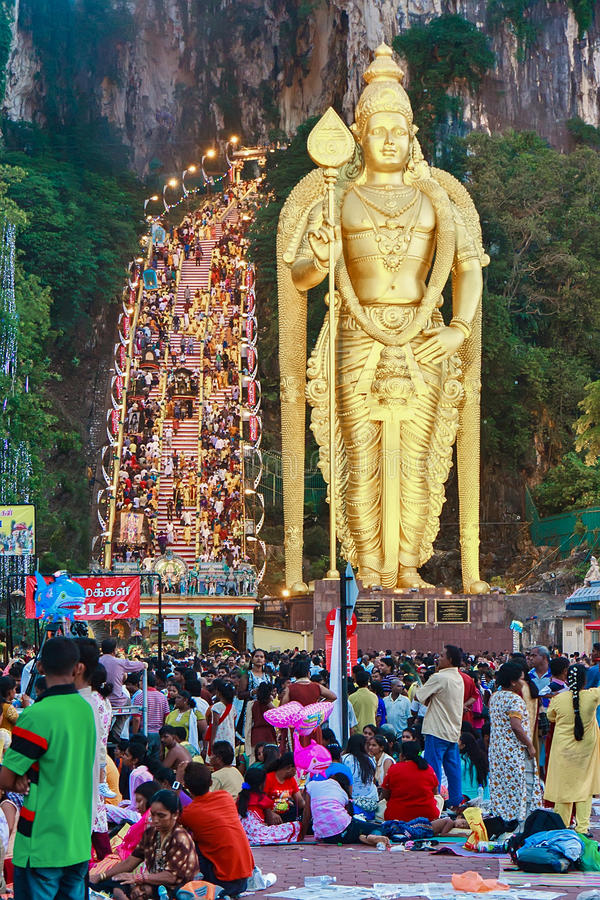 tidig morgonthaipusam för festival 2012 upp varmt royaltyfri foto