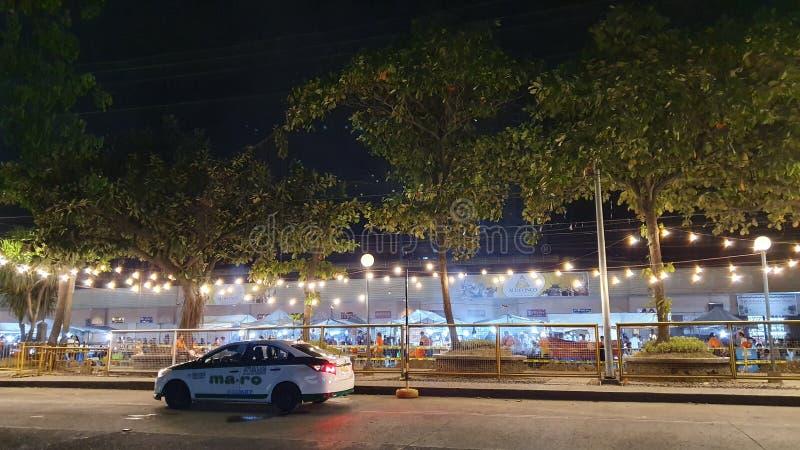 Tidig timme på Roxas Nattmarknad i Davao City, Filippinerna royaltyfri fotografi