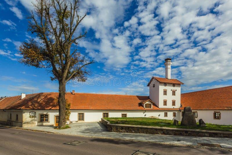 Tidigare bryggeribyggnad i Dacice arkivbild