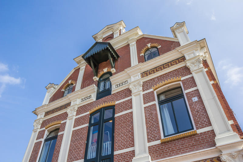 Tidigare fabriksbyggnad i mitten av Winschoten royaltyfria foton