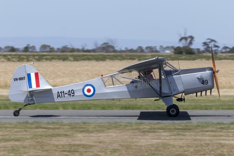 Tidigare flygvapen för kunglig australier RAAF Taylorcraft Auster Mk ljust flygplan VH-MHT A11-49 för enkel motor 3 arkivbild
