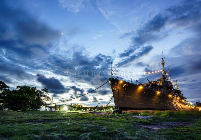 Tidigare krigsskepp som ställs ut på museet royaltyfria foton