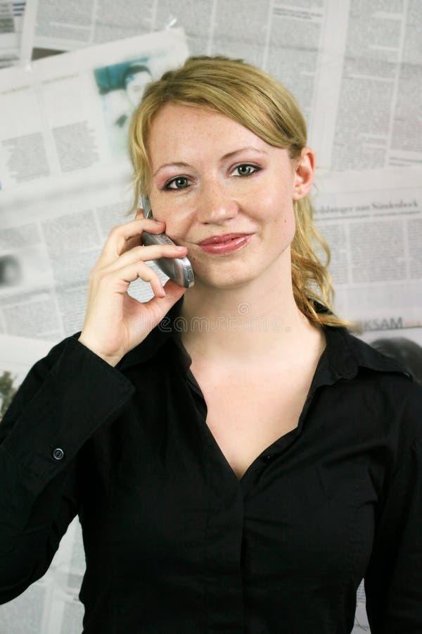 tidningskvinna royaltyfri foto