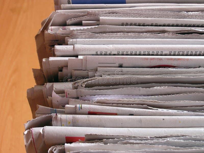 tidningsstapel royaltyfri bild