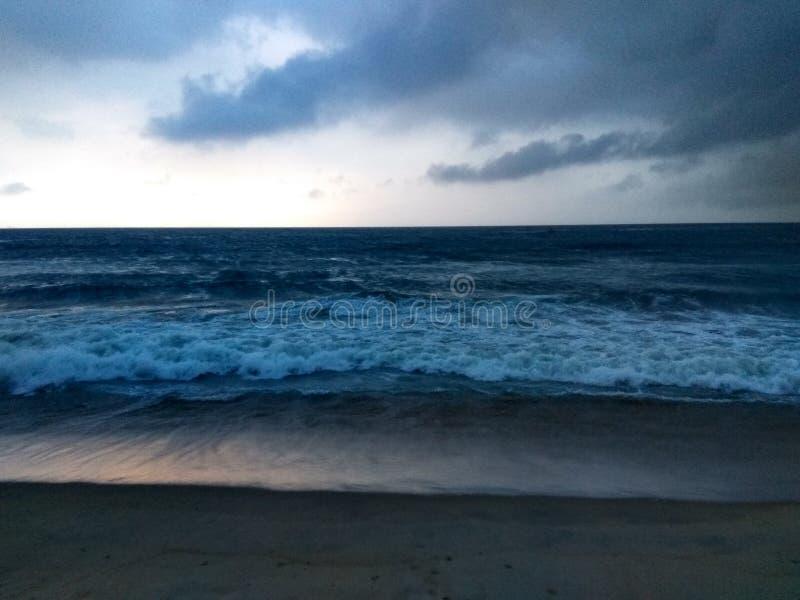 Tiefer blauer Ozean lizenzfreies stockbild