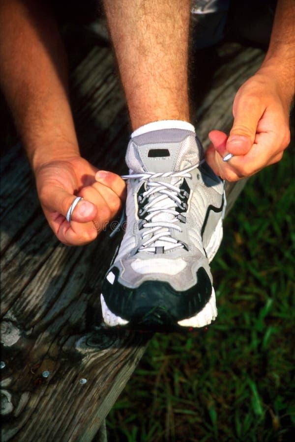 Tieing Schuh stockbild