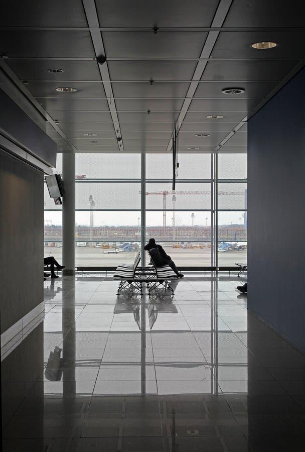 Tiempo de espera en el aeropuerto imagenes de archivo