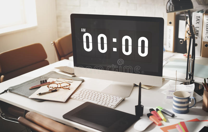 Tiempo de medianoche que mide el tiempo mañana de concepto fotografía de archivo