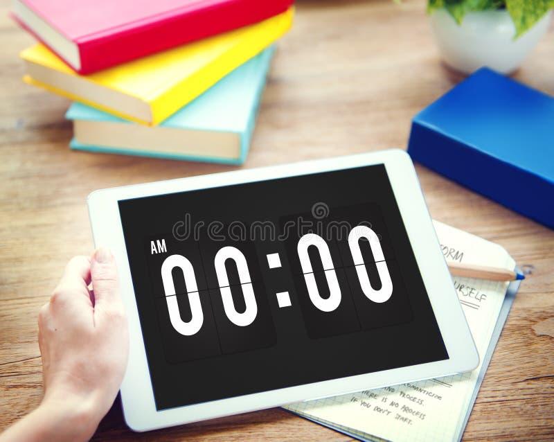 Tiempo de medianoche que mide el tiempo mañana de concepto imagenes de archivo