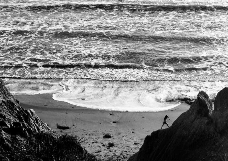 Tiempo del agua en la playa de Ávila imagen de archivo