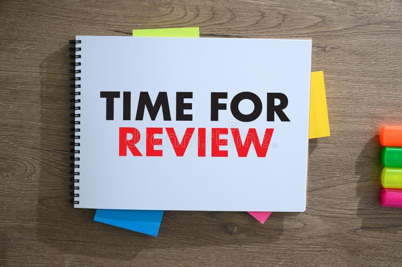 Tiempo en l?nea de la evaluaci?n de los comentarios para auditar de la evaluaci?n de la inspecci?n del comentario fotografía de archivo libre de regalías