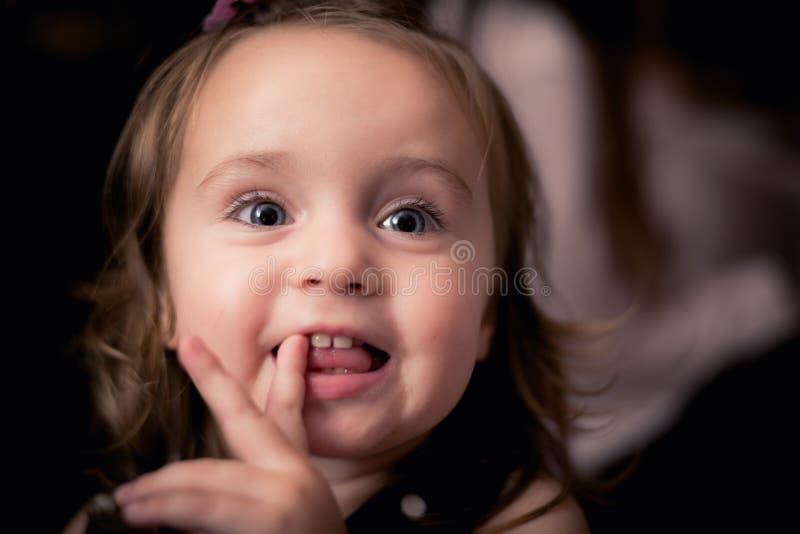 Tiempo feliz del bebé foto de archivo