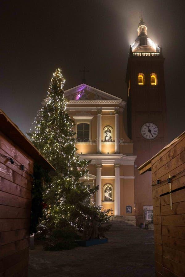 Tiempo hermoso de la Navidad con la luz y la vela fotografía de archivo libre de regalías
