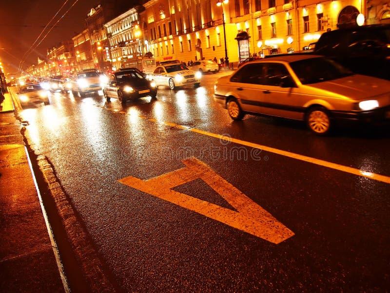 Tiempo lluvioso en St Petersburg Ciudad melanc?lica y lluviosa en el r?o de Neva Detalles y primer imágenes de archivo libres de regalías
