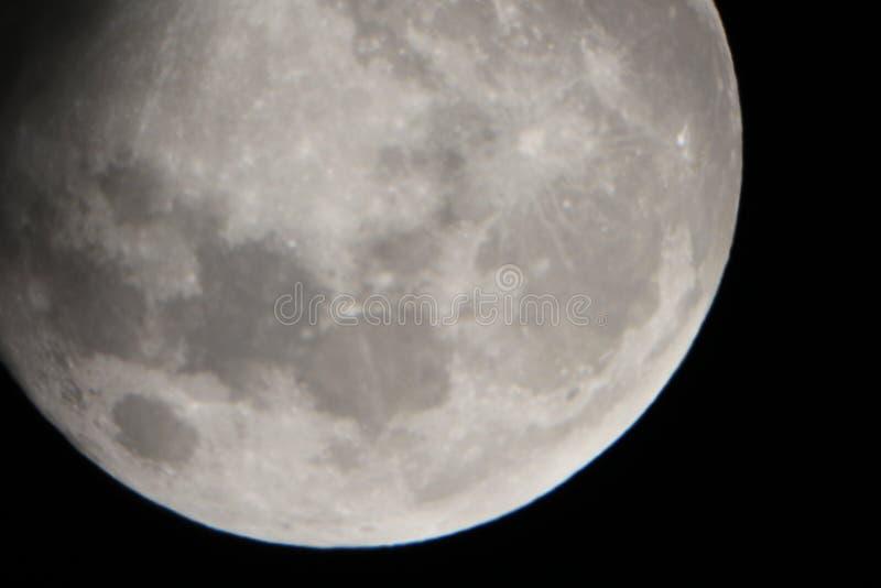 Tiempo real llevado de la luna el 30 de mayo de 2018 fotos de archivo