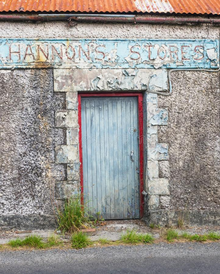 Tienda abandonada en Irlanda fotografía de archivo libre de regalías