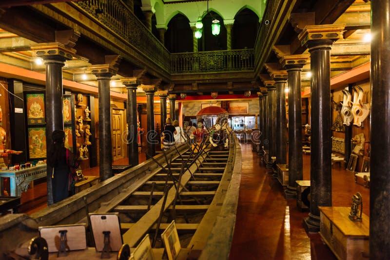 Tienda antigua de los artes de la herencia en Mattancherry, Kochi fotos de archivo libres de regalías