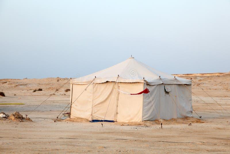 Tienda beduina en el desierto imágenes de archivo libres de regalías