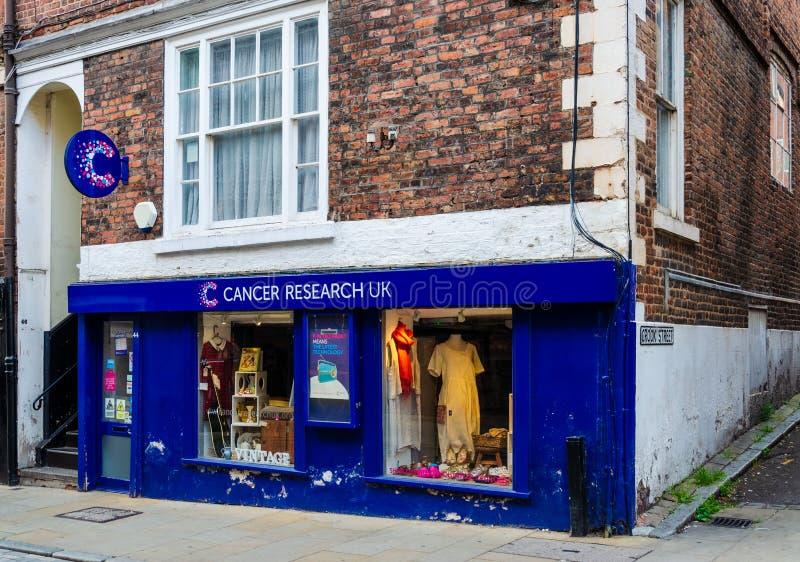 Tienda BRITÁNICA de la caridad de la investigación de cáncer en Chester fotos de archivo libres de regalías