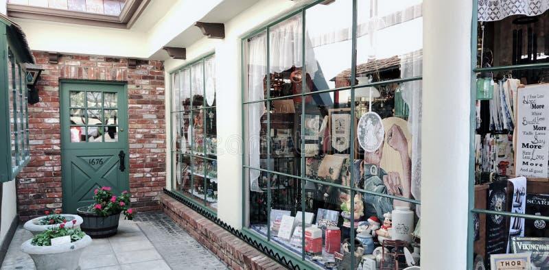 Tienda danesa de la ciudad afuera foto de archivo