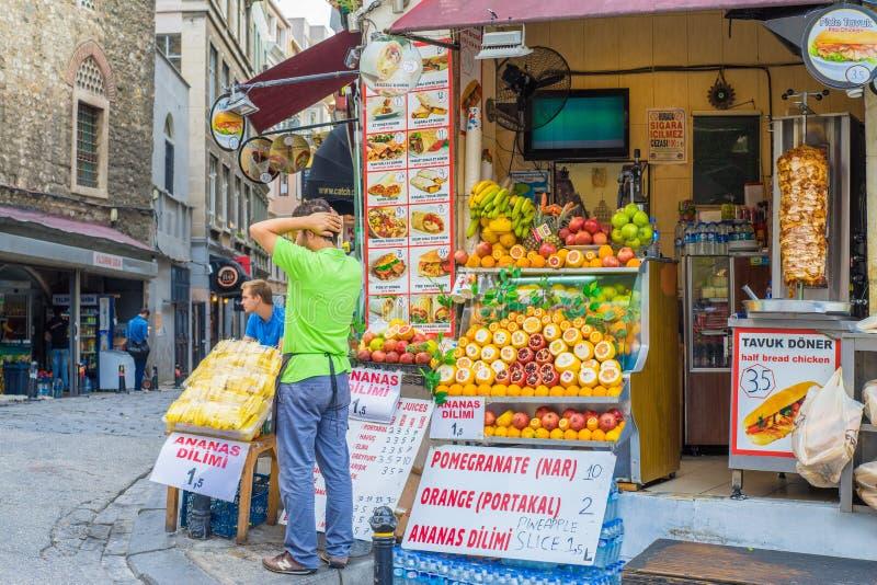 Tienda de alimentación en Estambul fotos de archivo