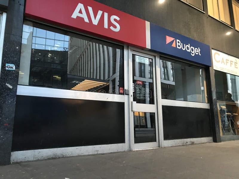 Tienda de Avis Budget, Londres imagenes de archivo