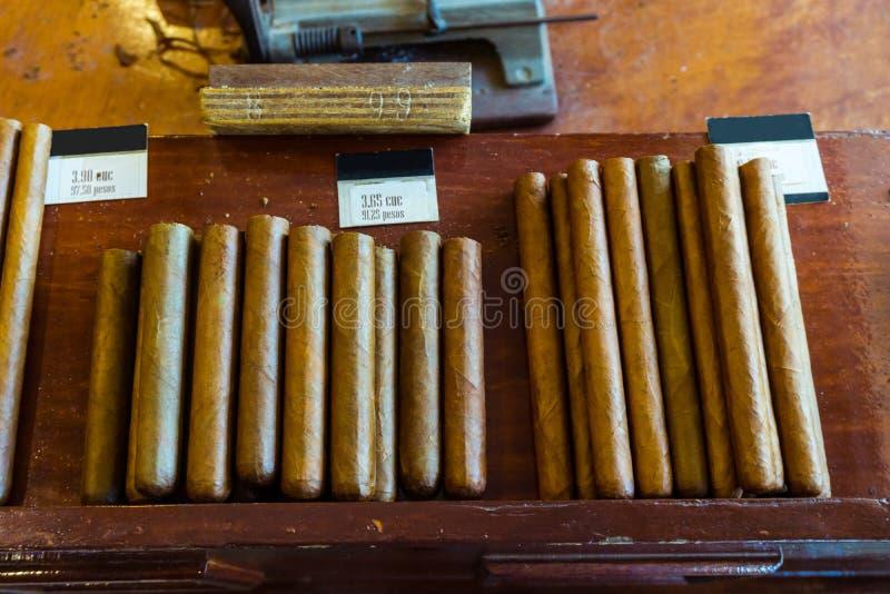 Tienda de cigarro en Cuba, Vinales imagen de archivo
